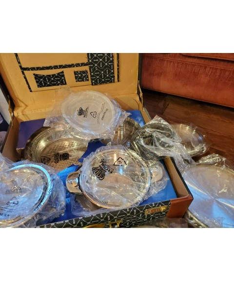 16 Pieces Royal Exclusive Line Stainless Steel Cookware Set Trunk Included! Rare